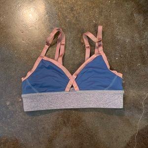 Lululemon sports bra - size 4 worn once